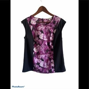 3/$30 Northern Reflections floral sleeveless top